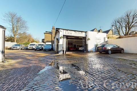 Shop to rent - Middleton Mews, Holloway