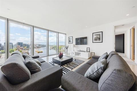 2 bedroom flat to rent - St George Wharf, SW8