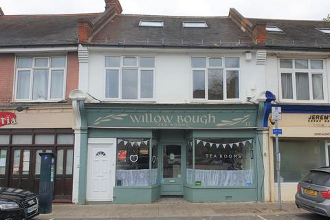 Retail property (high street) to rent - Merton Park Parade, Wimbledon