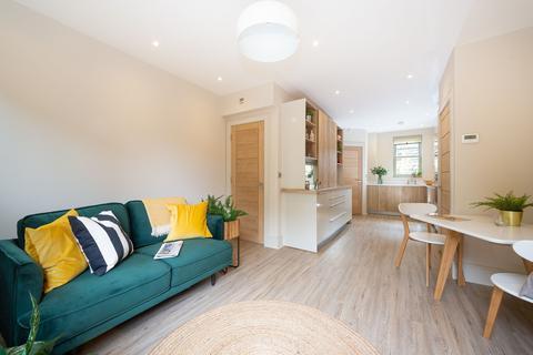 3 bedroom house to rent - Masons on the Green- Mason House, 1c Drury Lane
