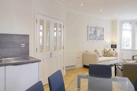 3 bedroom apartment to rent - Hamlet Gardens, London