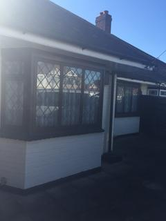 3 bedroom bungalow to rent - Spencer Road, Rainham, Essex, RM13