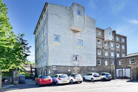 2 bedroom flat for sale - London Road, Dover, Kent