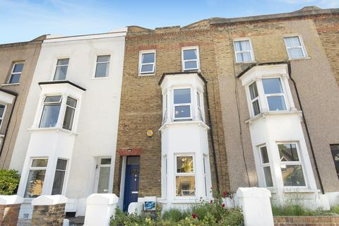 4 bedroom terraced house for sale - Brookhill Road London SE18