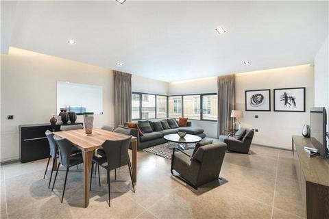 3 bedroom flat to rent - Babmaes Street, St James, London, SW1Y