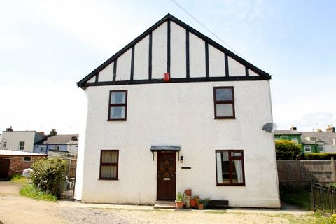 3 bedroom house to rent - Hewlett Road, Cheltenham, Glos