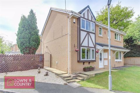 3 bedroom semi-detached house for sale - Millais Close, Connahs Quay, Deeside, Flintshire
