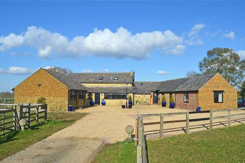 5 bedroom barn conversion for sale - Maidford, Towcester, Northamptonshire