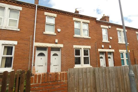 2 bedroom ground floor flat to rent - Queen Street, Ashington, Northumberland, NE63 9HS