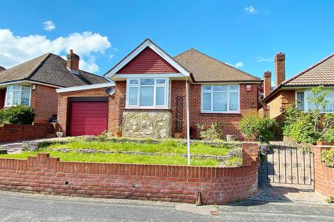 2 bedroom detached bungalow for sale - WOW! EXTENSIVE ACCOMMODATION! EXCEPTIONAL LIVING SPACE!
