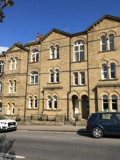 2 bedroom flat to rent - Victoria Road, Shipley, BD18 3HQ