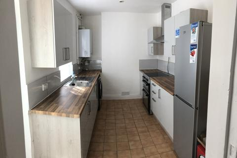 4 bedroom terraced house to rent - Hazel Street, Leicester