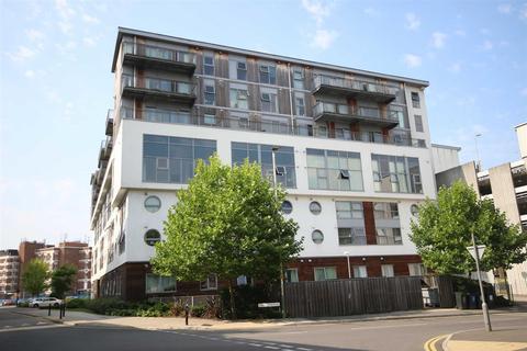 2 bedroom apartment to rent - Beckhampton Street, Swindon