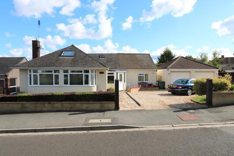3 bedroom bungalow to rent - Uplands Road, Saltford