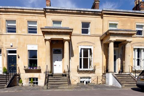 4 bedroom terraced house to rent - Lansdown Parade, Lansdown, Cheltenham, Gloucestershire