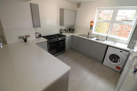 8 bedroom house to rent - Chichester Street, Chester, CH1