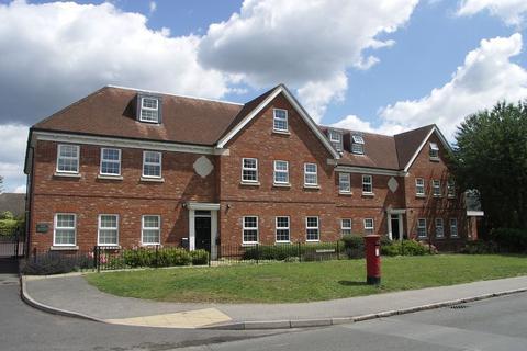3 bedroom flat to rent - MARLOW  Bank Apartments, Dean Sreet, Marlow, Bucks, SL7 3DX
