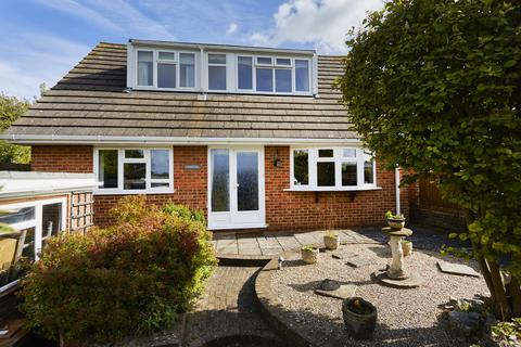 3 bedroom detached house for sale - Farrant Close Green Street Orpington, BR6