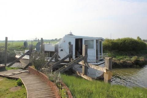 2 bedroom houseboat for sale - House boat and 1 acre of Lane in Wickford, Essex, SS11