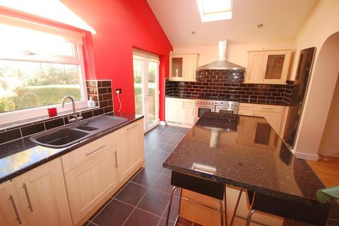 2 bedroom semi-detached bungalow to rent - Rothbury Road, Newton Hall, Durham