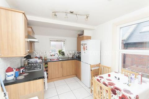 2 bedroom apartment to rent - Ranelagh Road, Wood Green, London N22