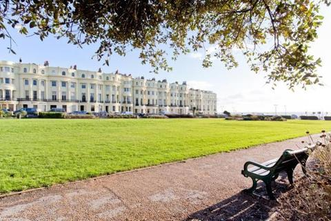 2 bedroom apartment for sale - Brunswick Square, Hove Seafront