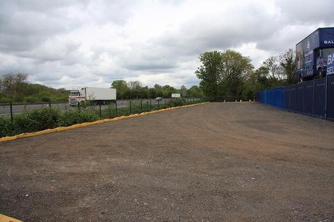 Land to rent - Ballards Business Park, Old London Road, Markham Moor, Retford, Nottinghamshire