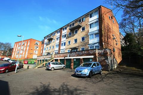 2 bedroom flat to rent - Moulton Rise, High Town, Luton, LU2 0AF