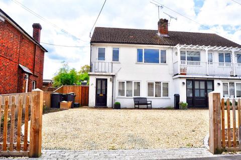 2 bedroom maisonette to rent - Berwick Road, Marlow