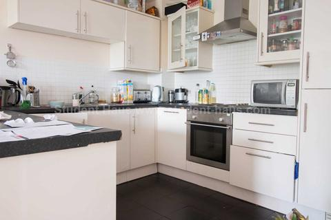 4 bedroom flat to rent - Percy Street, Manchester, M15 4AB