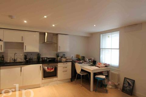 Studio to rent - Catherine St, Covent Garden, WC2B
