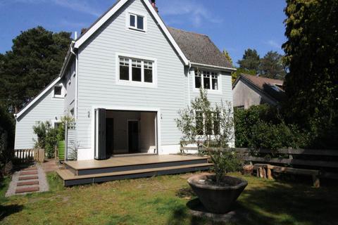 4 bedroom detached house to rent - Links Road , Poole , Dorset