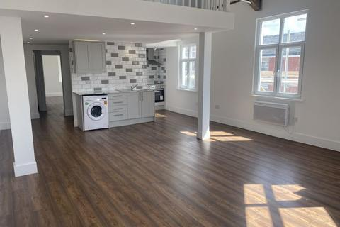 2 bedroom apartment to rent - Monton Road, Manchester