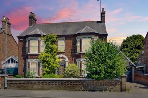 5 bedroom manor house for sale - Queens Road, Wisbech, Cambridgeshire