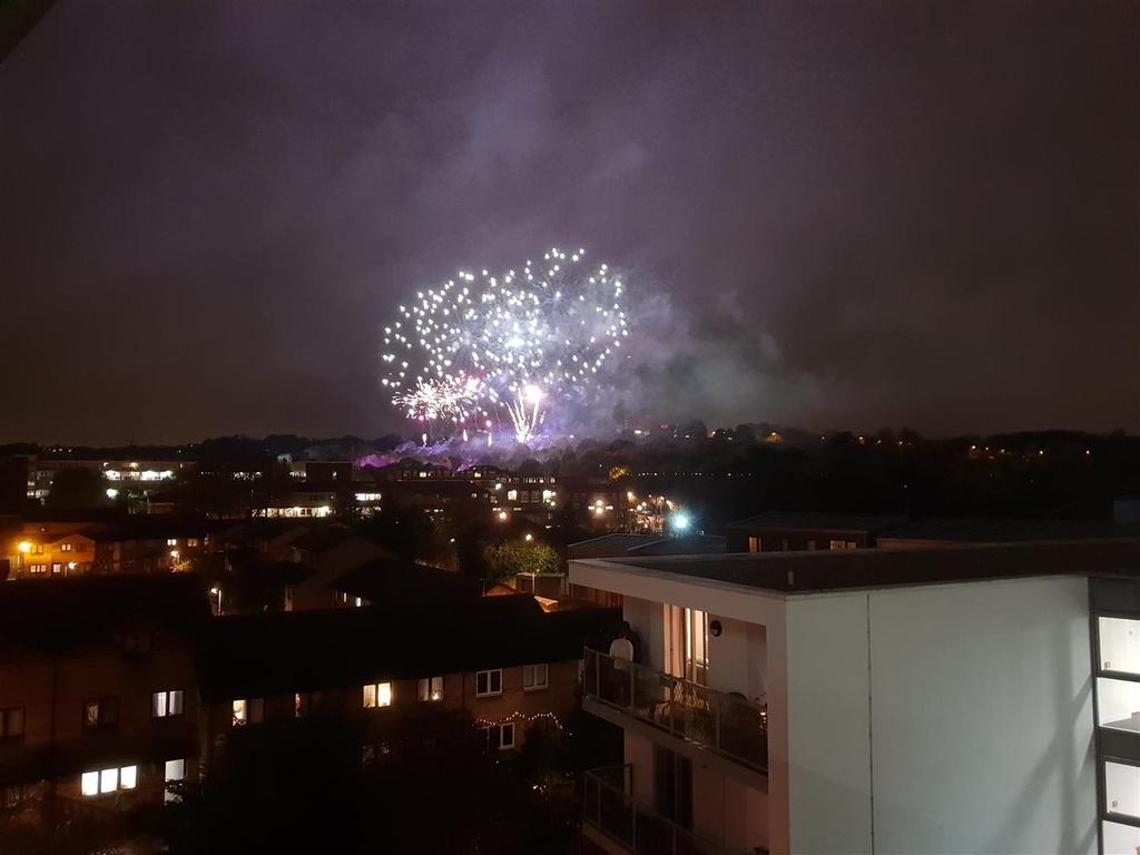 Palace Fireworks.jpg