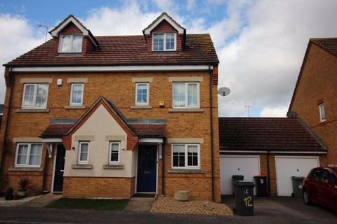 3 bedroom house to rent - Brook Close (P10961) - AVAILABLE
