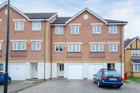 4 bedroom terraced house for sale - Earls Lane, Cippenham