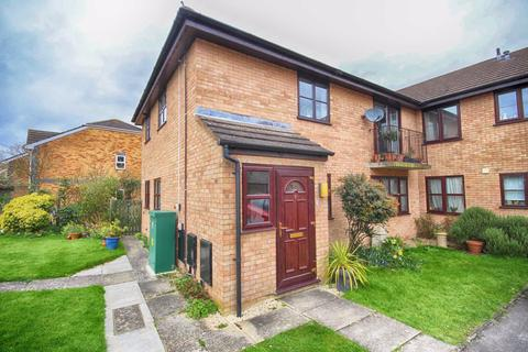 2 bedroom flat for sale - Oak Manor Drive, Cheltenham, GL52
