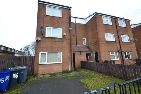 4 bedroom end of terrace house to rent - Langport Avenue  Manchester. M12 4NG