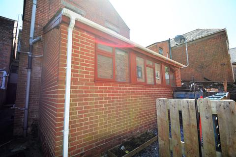 2 bedroom flat to rent - Church Lane, Ryde, Ryde Isle of Wight PO33