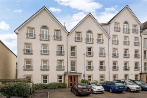 4 bedroom flat to rent - Dalry Gait, Dalry, Edinburgh, EH11