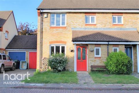 3 bedroom semi-detached house to rent - Penenden St, ME14