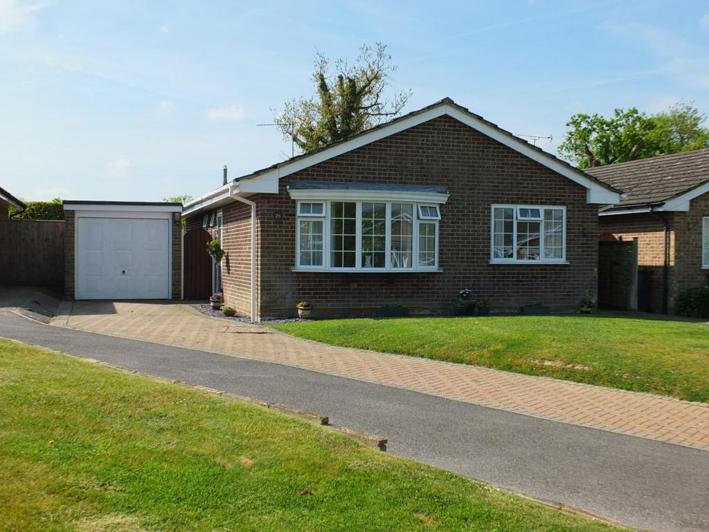 3 Bedrooms Bungalow for sale in Hillcrest Lane, Scaynes Hill, RH17