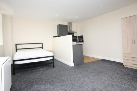 Studio to rent - Bradshawgate, Bolton