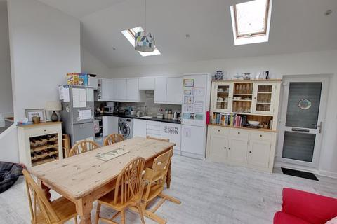 4 bedroom detached house to rent - Orchard House, Corsham