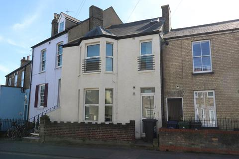 4 bedroom house share to rent - Victoria Road, ,