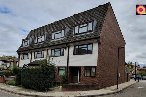 5 bedroom townhouse to rent - Union Drive, Mile End, London E1