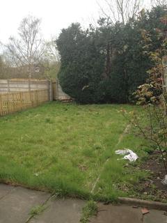4 bedroom semi-detached house to rent - Leeshall Crescent M14