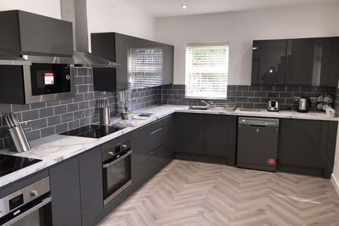 6 bedroom house to rent - Lambert Street, Hull