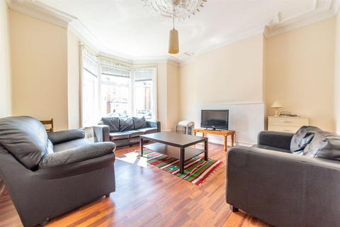 5 bedroom terraced house to rent - £67pppw - Simonside Terrace, Heaton, NE6
